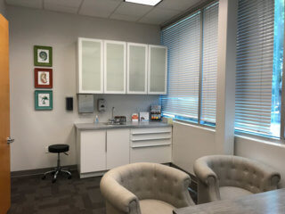 Audiologist Scottsdale AZ Happy Ears counseling and fitting room